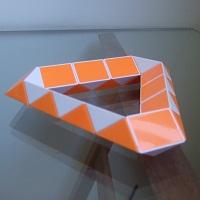 Triângulo Rubik's Twist